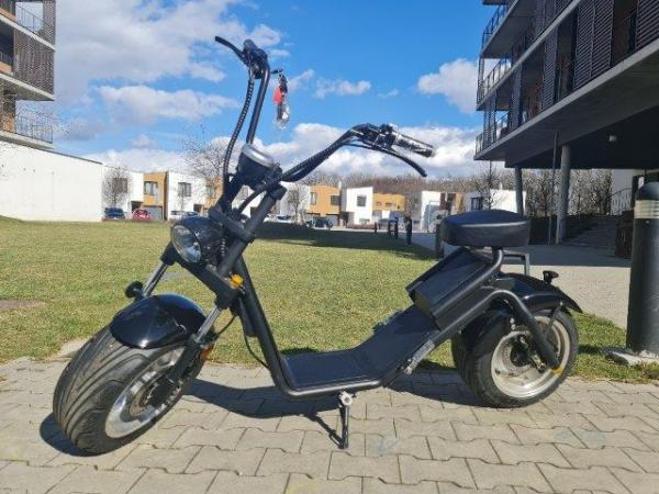 "Electric Chopper® fekete 40km / h modell: ""Caiqiees 2.0"""